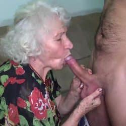En jævla bestemor som knuller en heldig ung mann