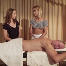 Erotisk massasje med veldig slutty jenter