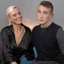 En ung gutt får en tysk eldre til å glede seg over mye vice
