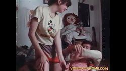 Betrayed Teens, retropornofilm fra 1977