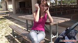 Keegan Monroe er en kåt skolejente som elsker å kjenne en kuk dypt i fitta