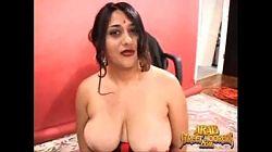Arabisk med store pupper godtar penger for sex